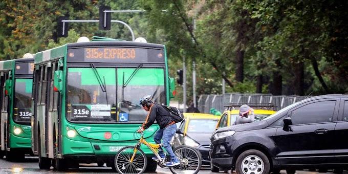 """Buscan prohibir la palabra """"ciclista"""": aseguran que """"deshumaniza"""" a las personas que andan en bicicleta y por eso serían agredidos e insultados"""