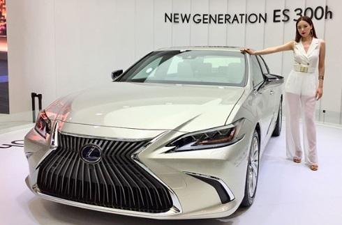 Lexus ES300h hybrid car edition