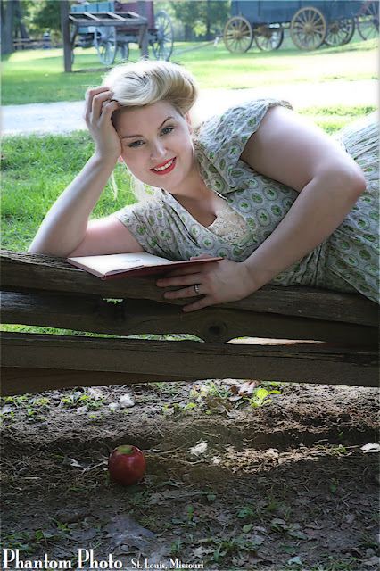 Brittany Va-Voom Vintage blog plus size retro fashion