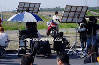 https://2.bp.blogspot.com/-nfRY-Qghzfg/VrTP-2l6KHI/AAAAAAAAGO4/Zrp7Y3a2ukk/s1600/kamen_rider_kabuto_backstages_6.jpg