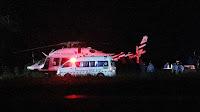Trinta equipes médicas com ambulâncias e helicópteros foram disponibilizados do lado de fora da caverna para prestar socorro ao grupo