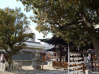 東成区中道の八阪神社拝殿