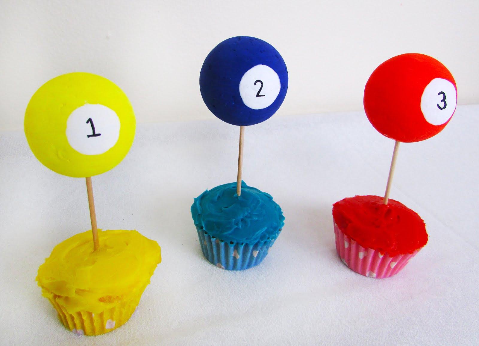 DIY Billiard Ball Cupcake Toppers