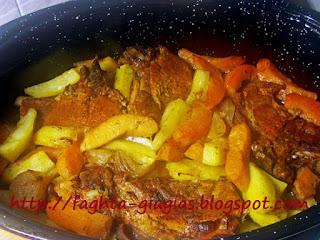 Χοιρινό με κυδώνια και πατάτες στο φούρνο - από «Τα φαγητά της γιαγιάς»