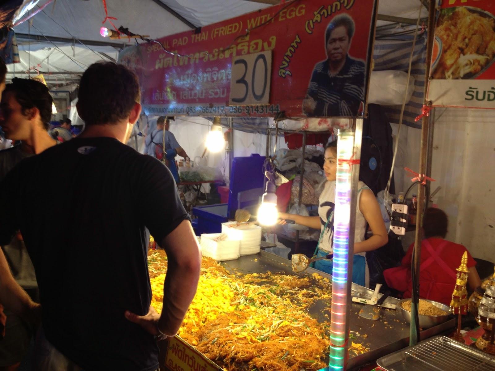 Chiang Mai - Pad thai for 30 baht!