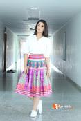 Rashi Khanna Dazziling Pics-thumbnail-6