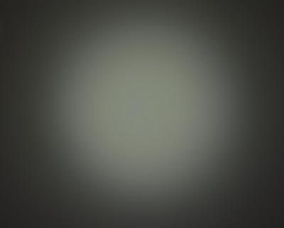 Wiązka światła w latarce Olight i3T