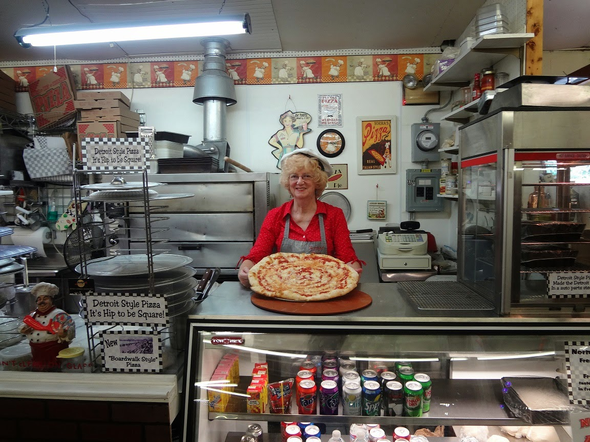 Norma's Pizza at Root's Country Market & Auction