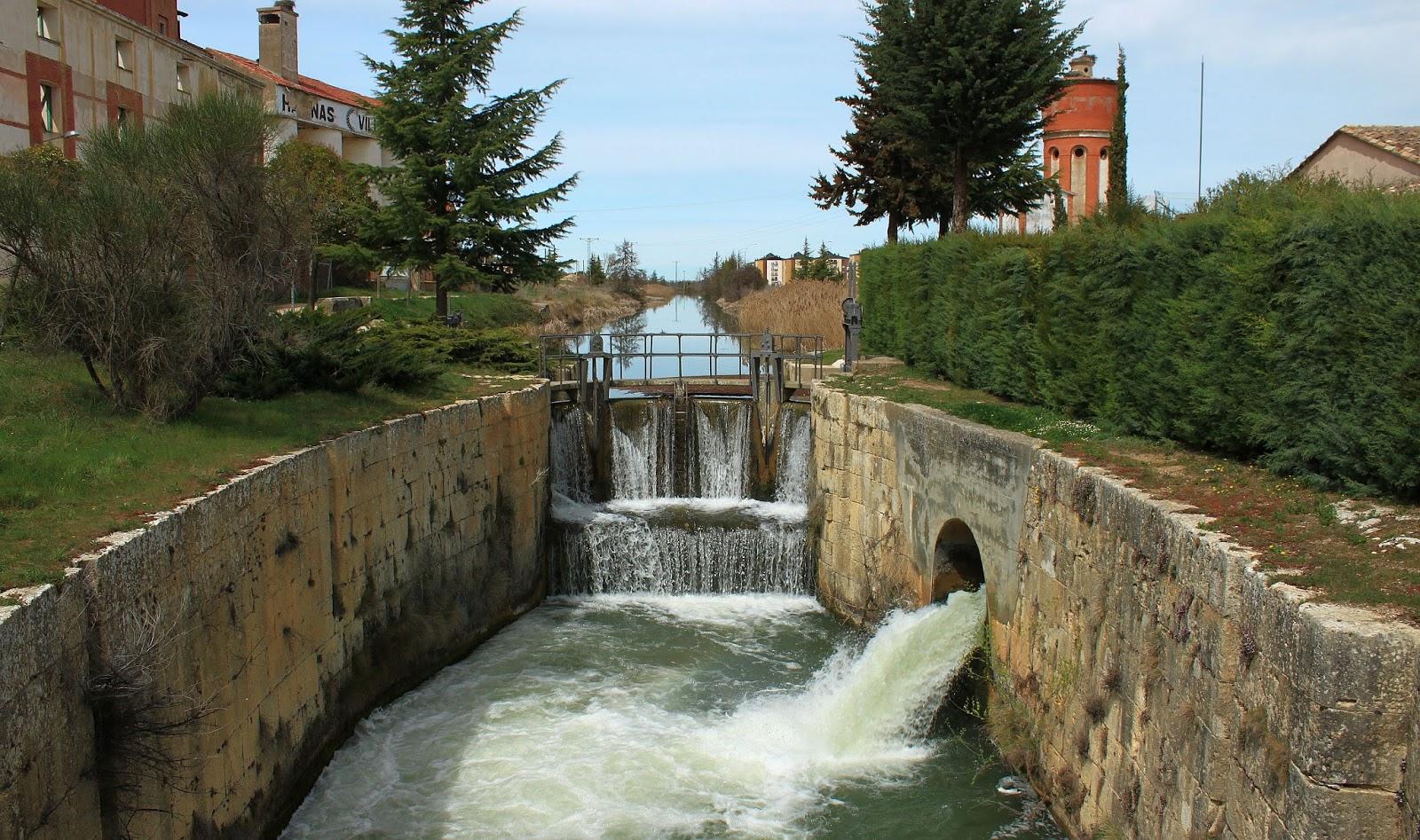 Esclusa Canal de Castilla-Villamuriel