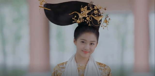 First Impressions: Untouchable Lovers Guan Xiaotong
