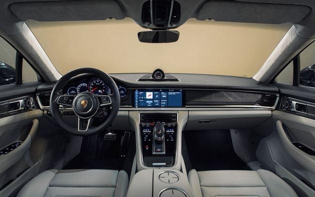 2018 Porsche Panamera Interior