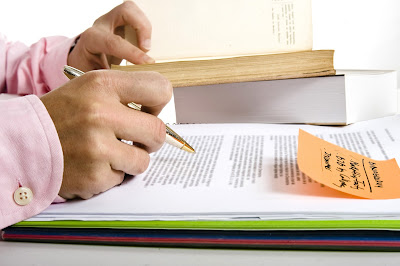 What are the benefits of hiring Law Essay Writer in UK?