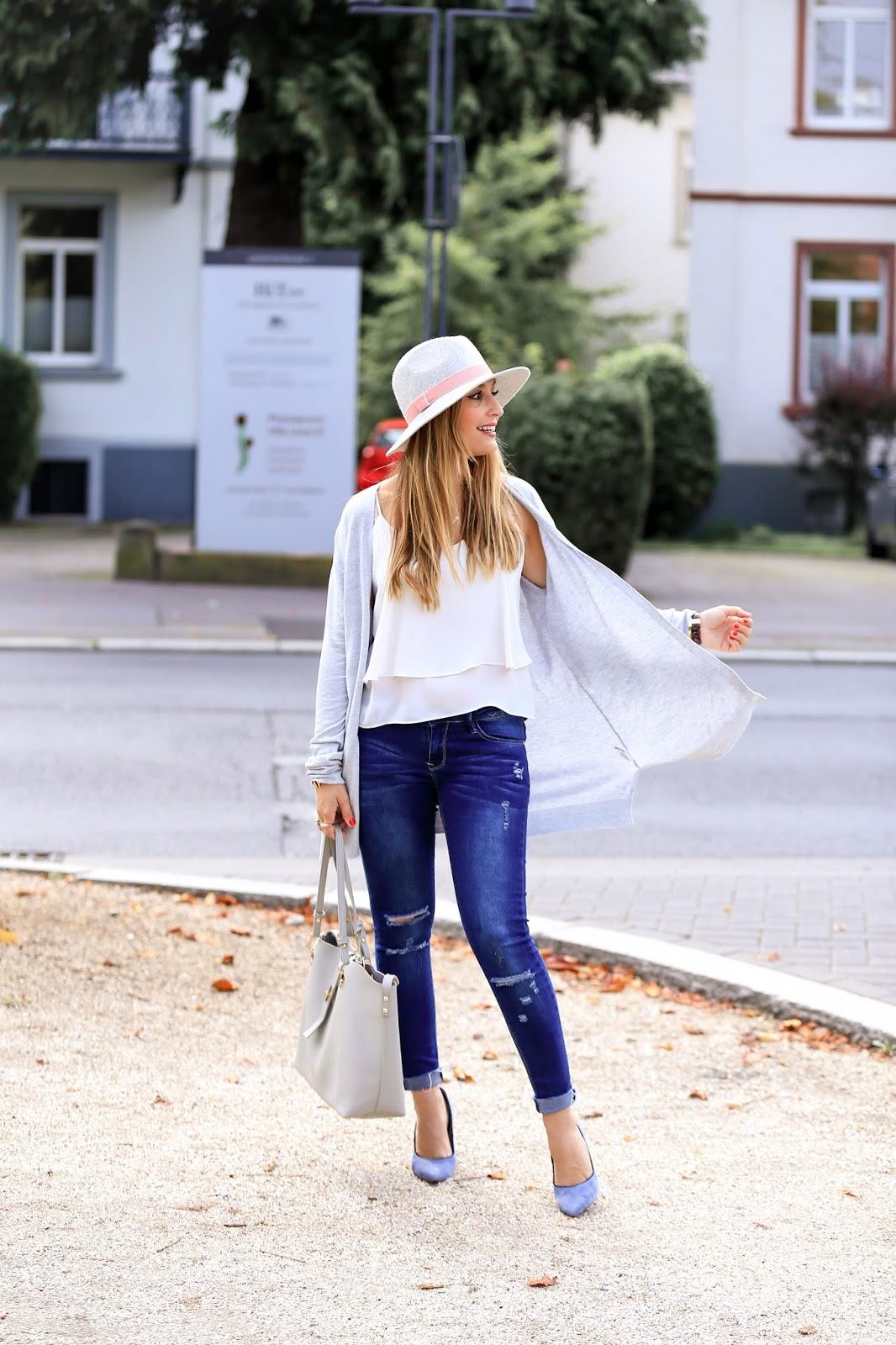 wie-kombiniert-man-eine-strickjacke-bloggerstyle-fashionstylebyjohanna-blogger-aus-deutschland-alltagslook
