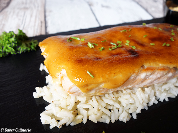 Salmón gratinado con mayonesa teriyaki