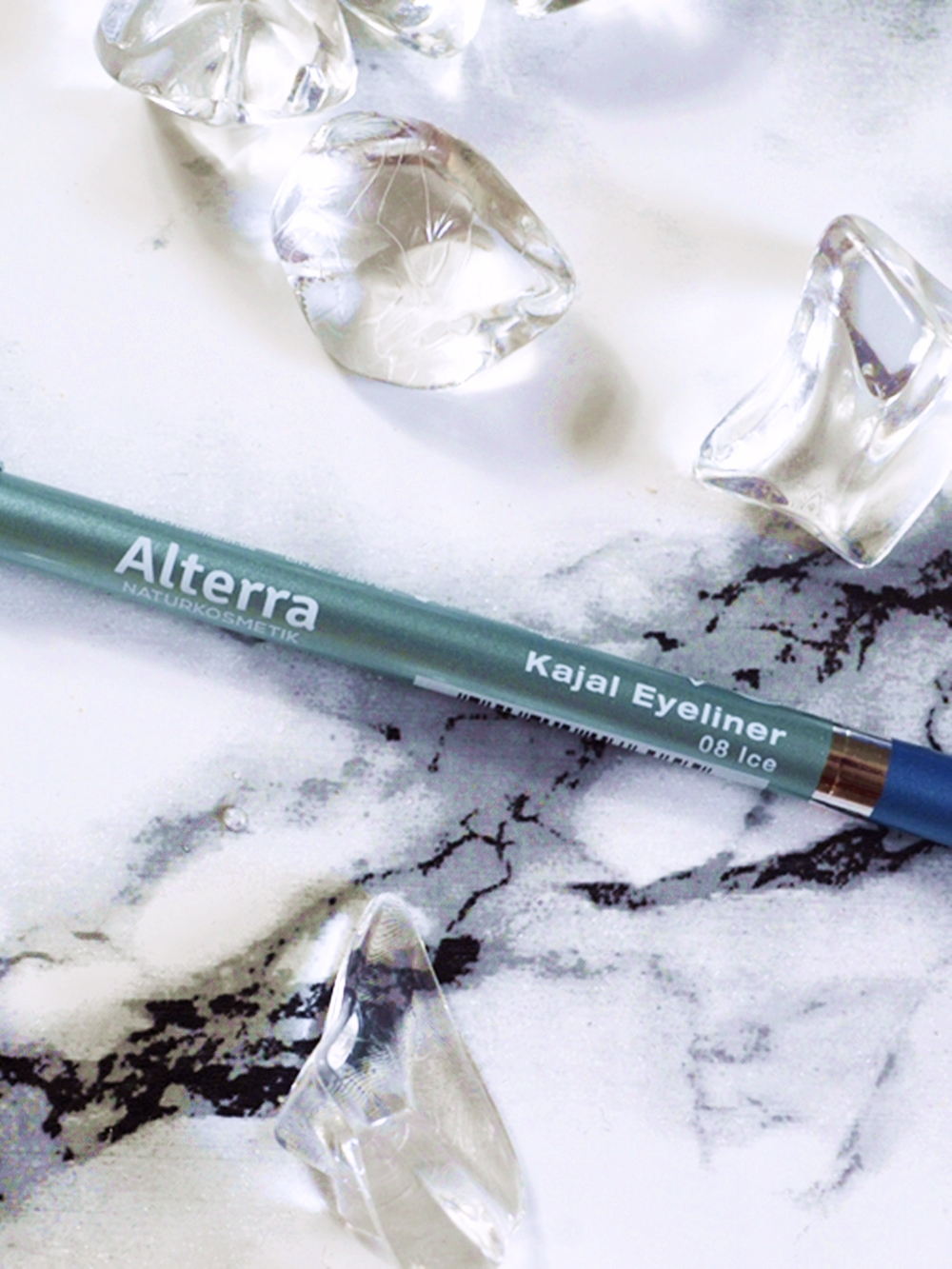 Products of the TrendBox / TrendRaider June 2016 'WaterPassion' / Alterra Kajal Eyeliner
