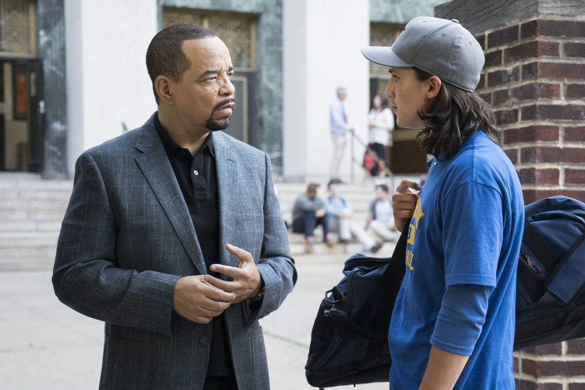 Law & Order: Special Victims Unit - Season 20 Episode 01-02: Man Up / Man Down