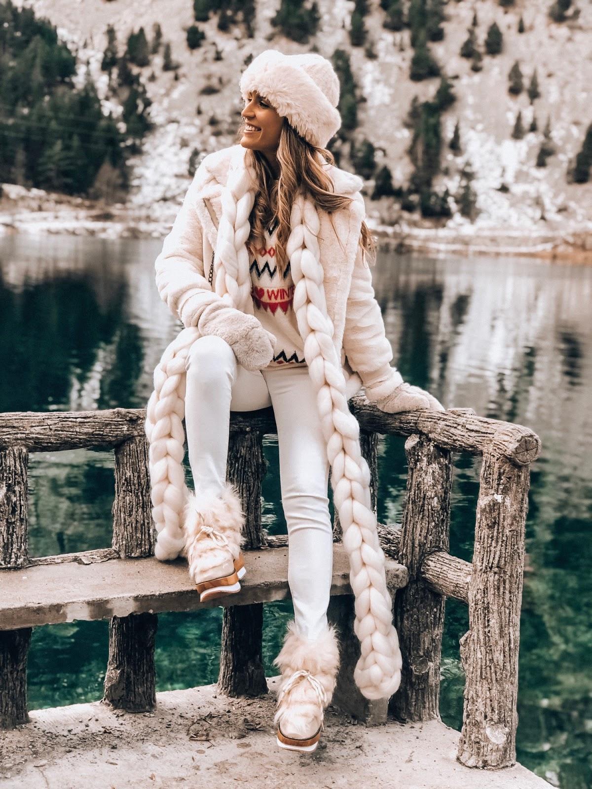 vestir de blanco en invierno es tendencia