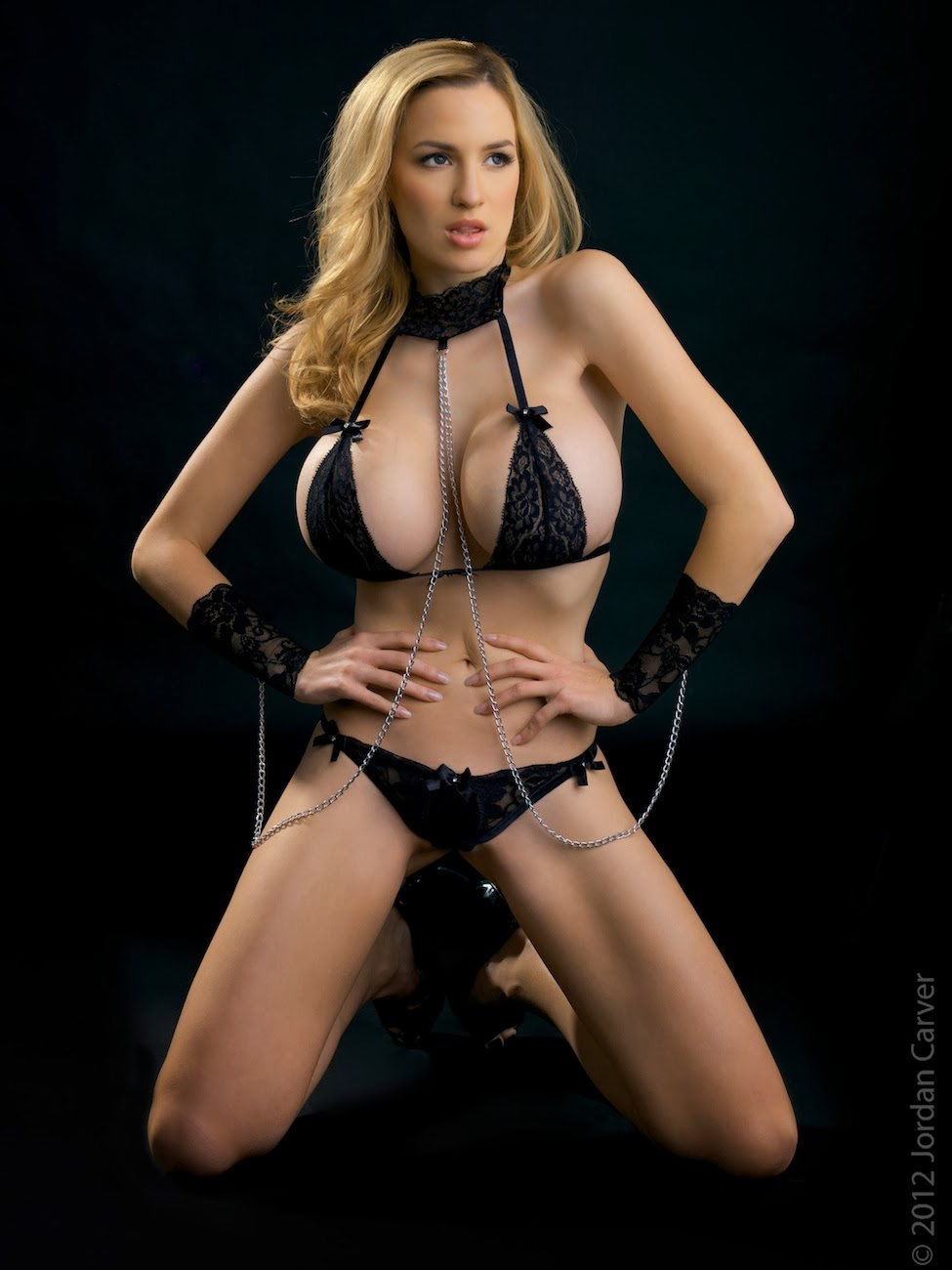 Big Boobs Jordan Carver Jordan Carver Tiny Black Magic -6119