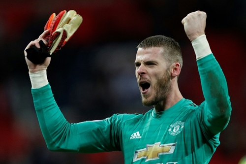 David de Gea made 11 saves, all in the second half, as United held on to beat Spurs