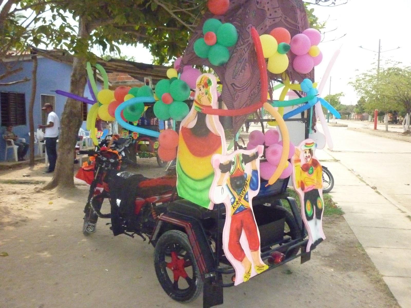 Carnaval De Los Valores 2013 Decoracion De Carrozas
