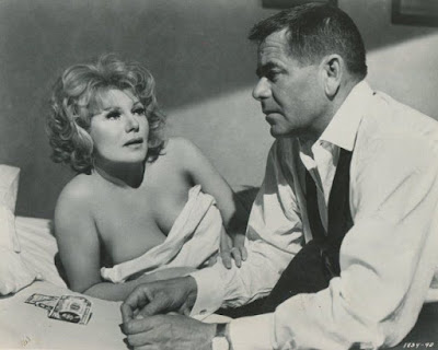 La trampa del dinero (1965) The Money Trap : Glenn Ford y Rita Hayworth...