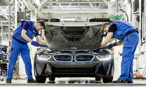 ¿Hay que invertir en fabricantes de coches?