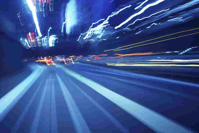 kamera menangkap gambar pergerakan cahaya