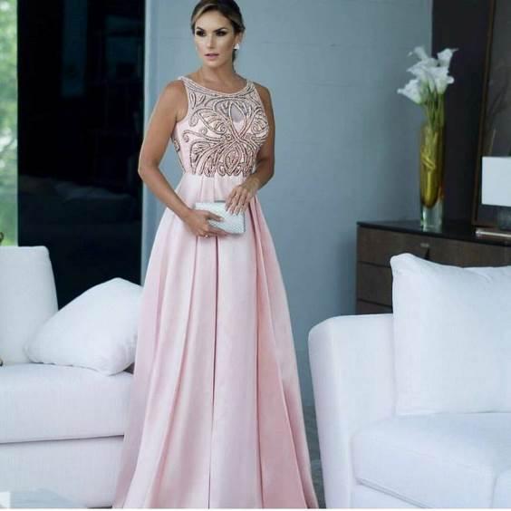 vestido e festa rosa claro