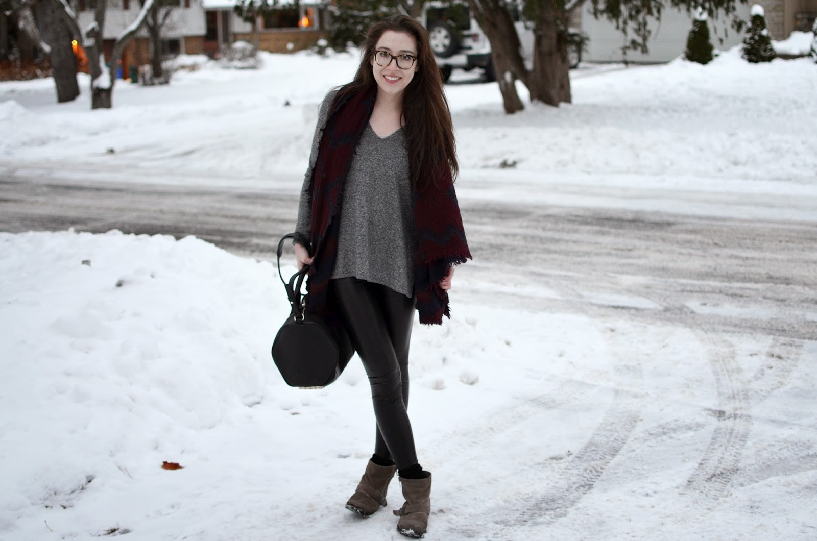 Winter OOTD ft. Aritzia Daria faux leather leggings, Erin sweater and blanket scarf