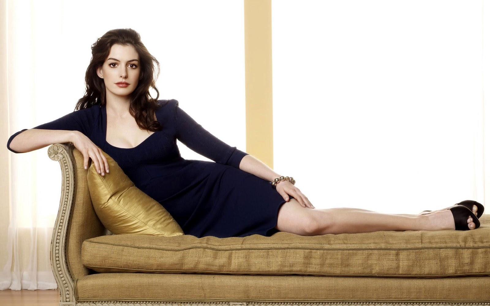 Anne Hathaway Fresh HD Wallpapers 2013 | World HD Wallpapers