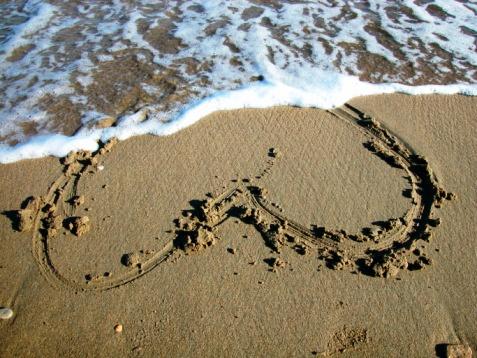 Jangan Terburu Menyesal, Inilah Bagaimana Dirimu Ketika Terlanjur Jatuh Kepada Cinta yang Salah