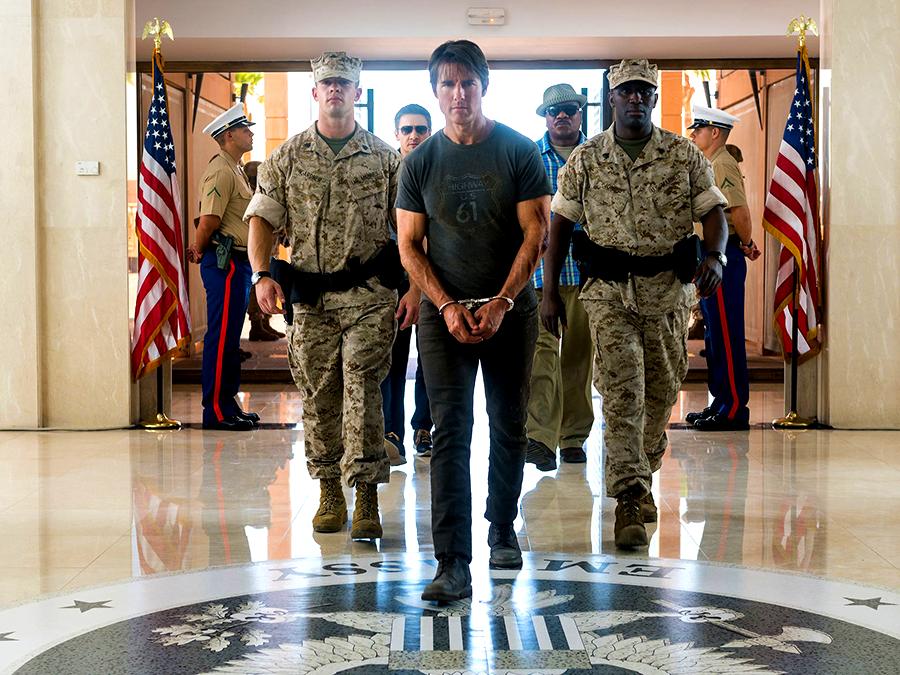Tom Cruise, Jeremy Renner şi Ving Rhames în Mission: Impossible 5 Rogue Nation