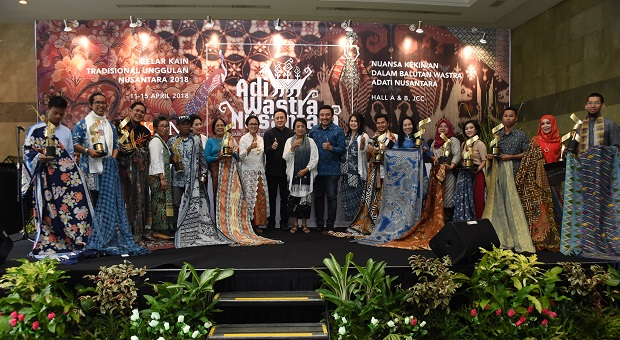 Masyarakat Respon Positif Adiwastra Nusantara 2018