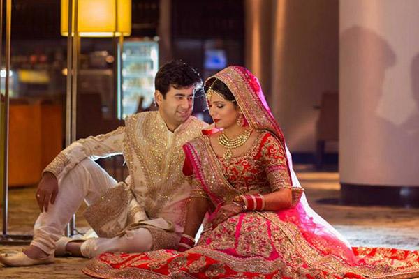 Indian Wedding Couple Poses Ideas
