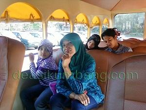 Tip Naik Garden Tram Taman Bunga Nusantara