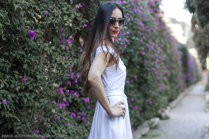 Blogger influencer valenciana con ideas de look con vestido y zapatos planos para vestir en un fiesta boda bautizo