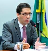 Políticas de desarmamento não reduziram homicídios no Brasil