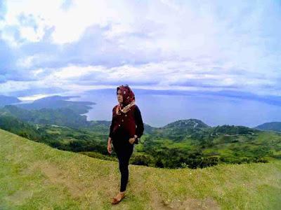 Huta Ginjang Spot Menikmati Danau Toba