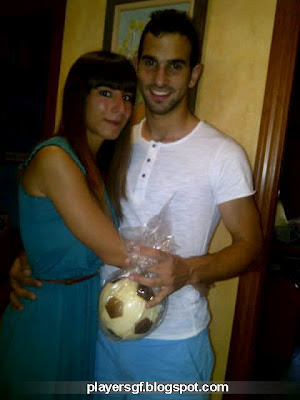 Martín Montoya and his girlfriend