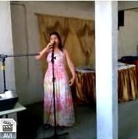 http://www.4shared.com/video/Oe2qFHqiba/Verinha_cantando_seresta-chaca.html