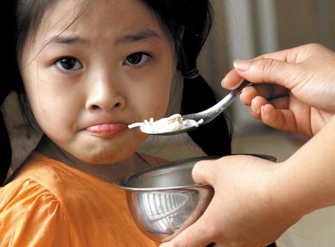 Trẻ lười ăn và cách khắc phục như thế nào