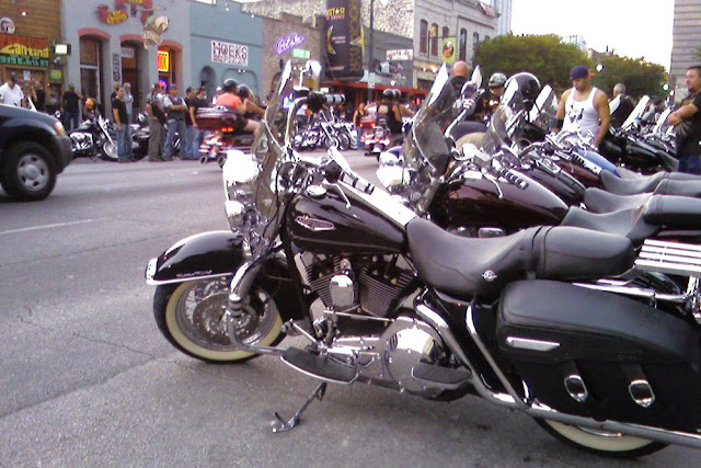 This largest ticketed motorcycle rally in the United States features custom builders, live music, bike shows, hundreds of vendors, and more.