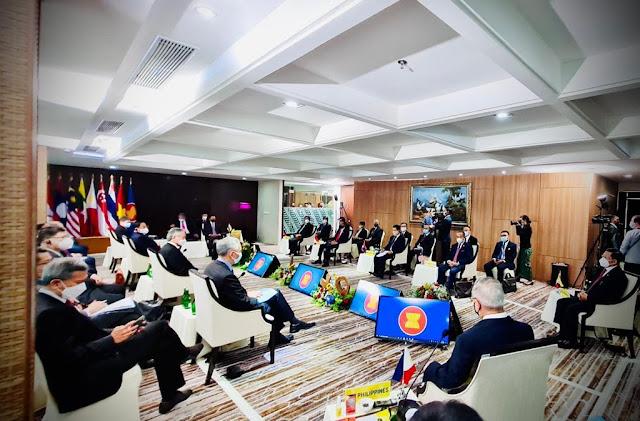 ASEAN Leaders Meetin Jakarta, Call for Immediate Stop to Violence in Myanmar