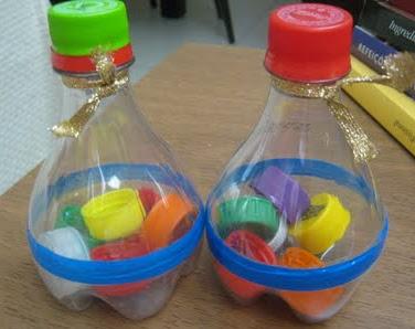 Chocalhos de material reciclado
