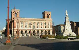 Forlì's Palazzo Poste e Telegrafi in Piazza Saffi