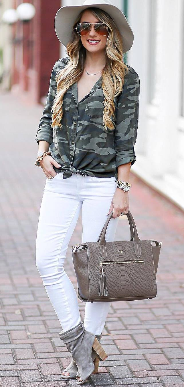 cute outfit: hat + khaki shirt + skinnies
