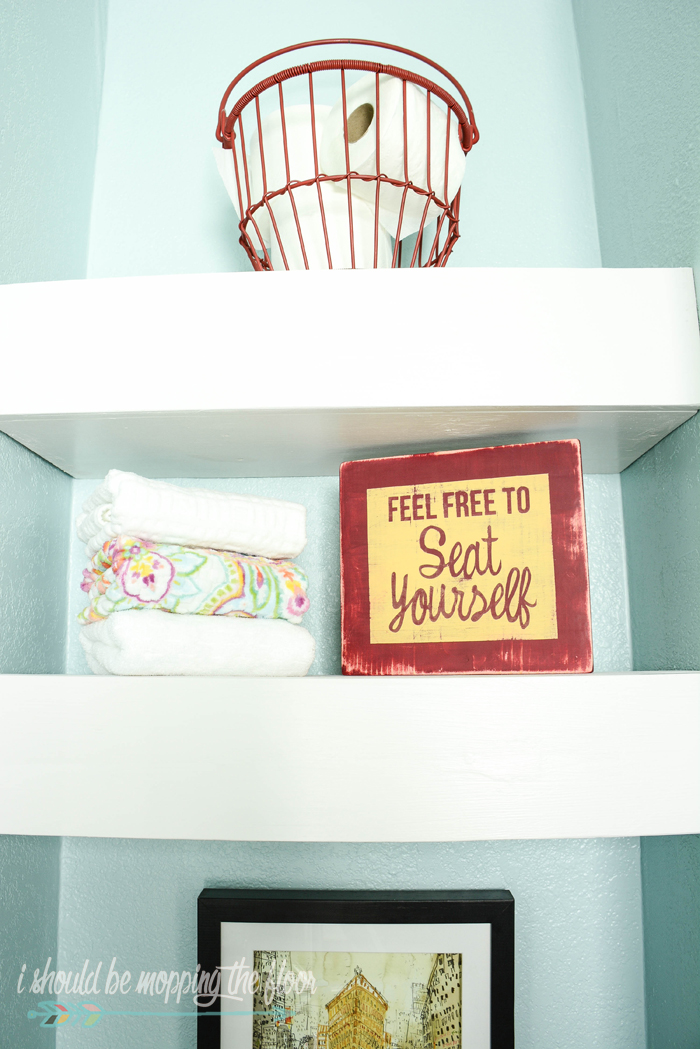 Bordered Sign Paint Tutorial | Simple step-by-step tutorial to create a funny little sign for the bathroom.