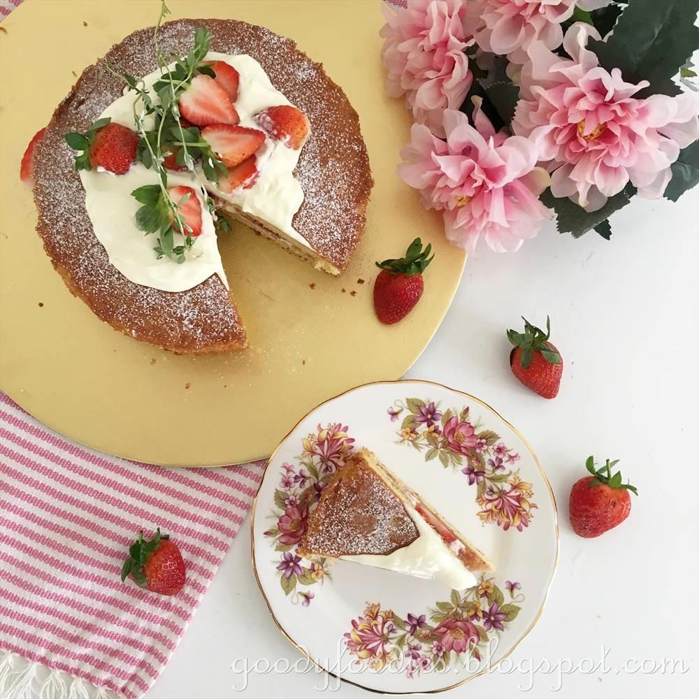 Delia Victoria Sponge Birthday Cake