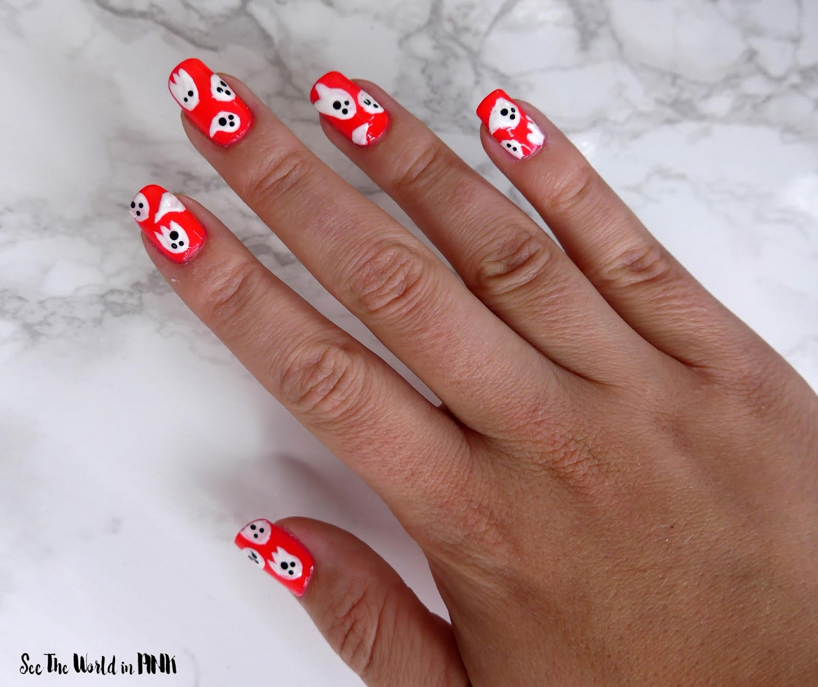 Manicure Monday - Halloween Ghosts Nail Art!
