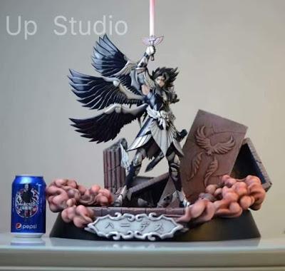 Presentada una estatua de Hades por Up Studios